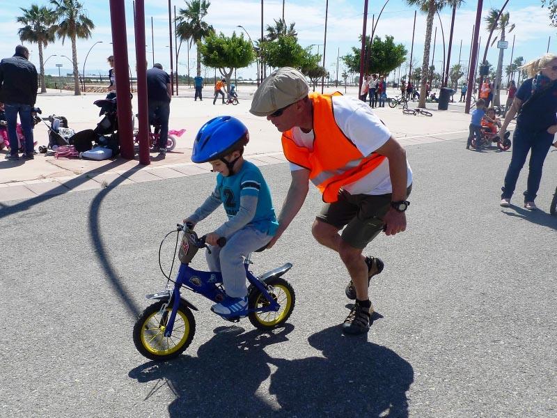 Más de 1.600 escolares participan en el Programa Municipal de fomento de la bicicleta