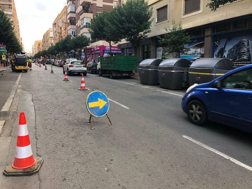 El Ayuntamiento renueva integralmente el pavimento de la calle Altamira con el objetivo de regularizar el firme de la vía