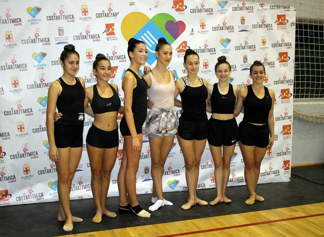 Polina Berezina muestra en Almería los ejercicios de su participación en el mundial de Gimnasia Rítmica
