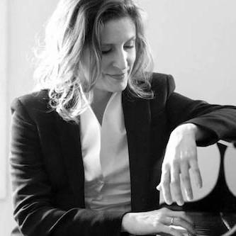 Cuarteto de cámara de la OCAL, acompañado por la pianista Cristina Lucio, este domingo en el Círculo Mercantil