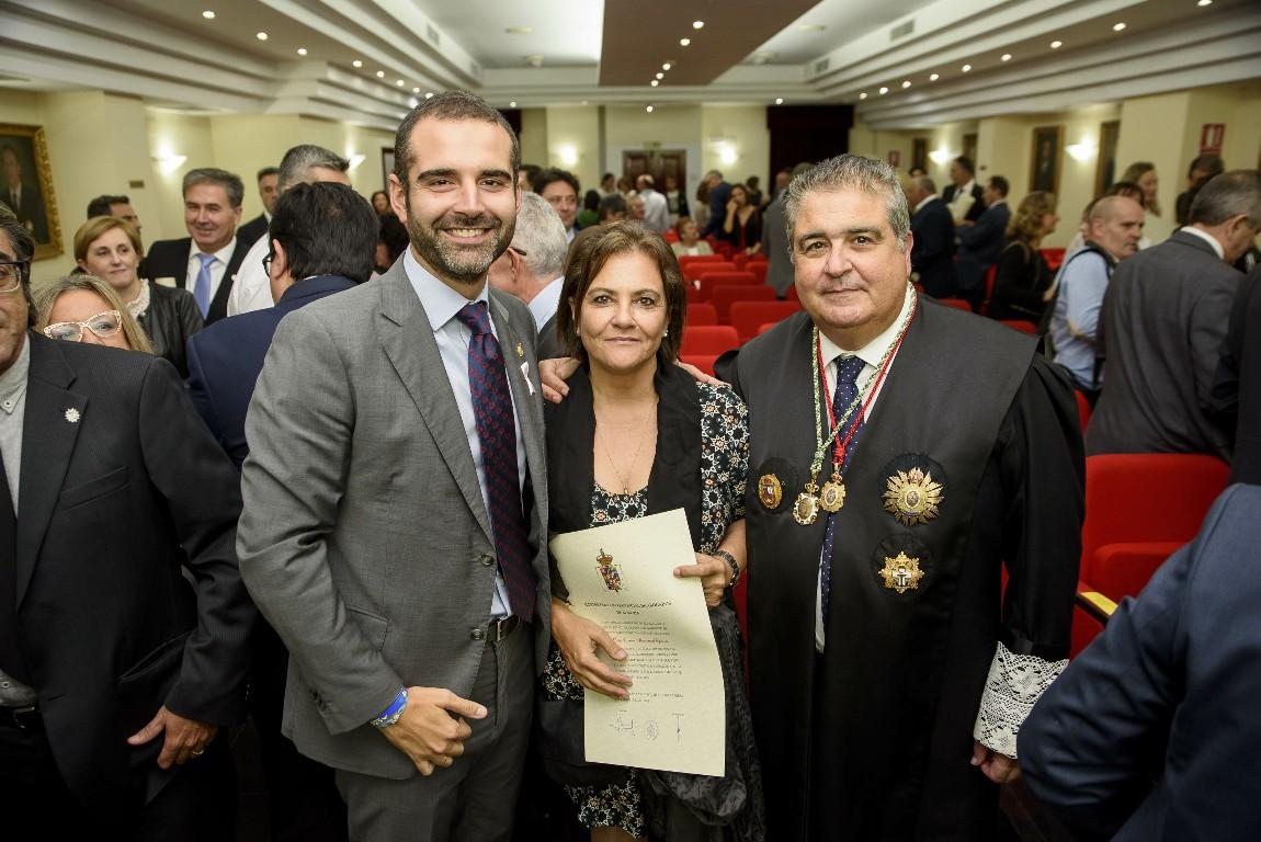El alcalde pone en valor la labor social que realiza el Colegio de Abogados en favor de los almerienses que se hallan en desamparo jurídico