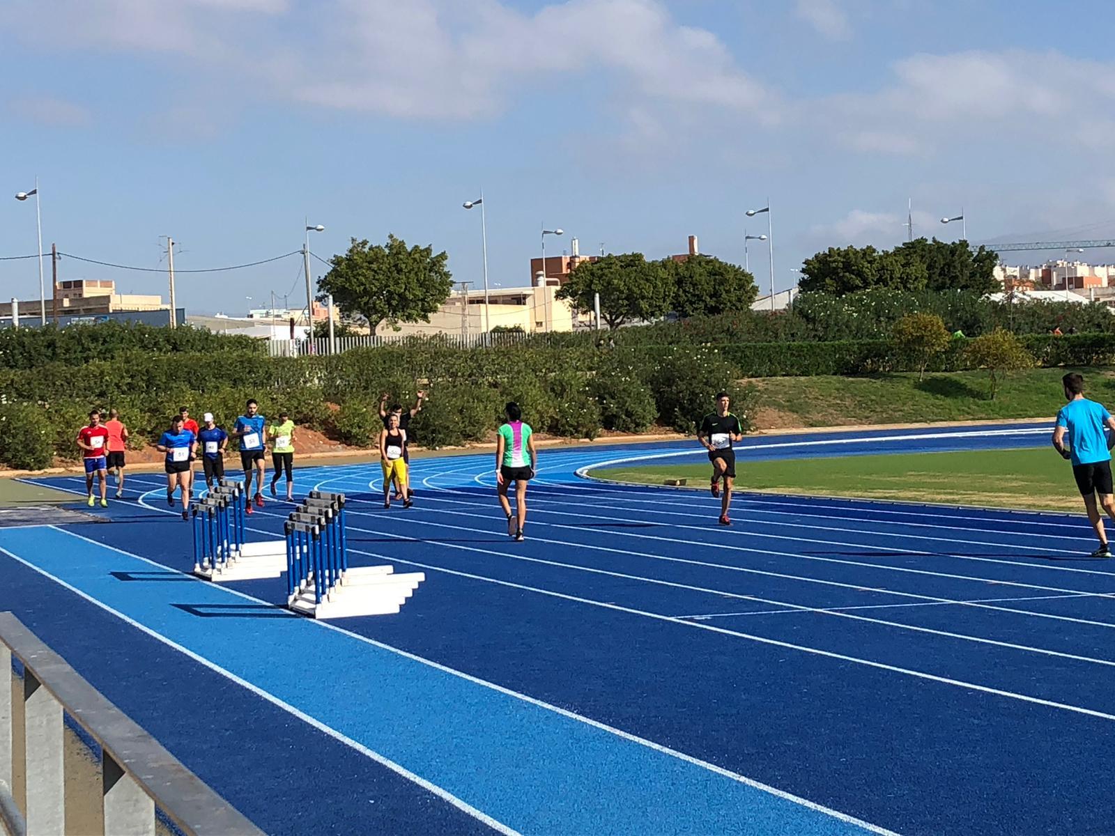 Cerca de 300 aspirantes se dan cita en el Estadio de los Juegos en las pruebas deportivas de acceso a doce plazas de turno libre para Policía Local