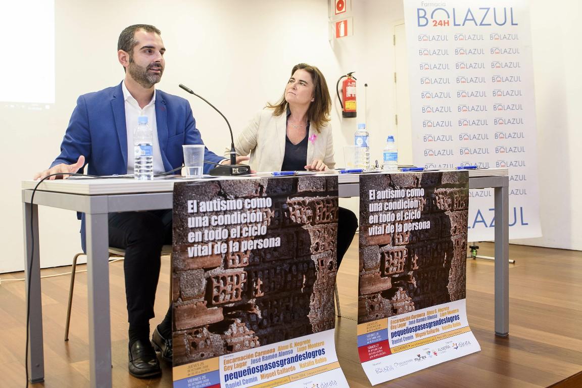 """El alcalde felicita a la asociación Dárata por el """"fenomenal trabajo"""" que hace desde 2012 con quienes padecen autismo y sus familias"""