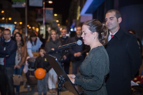 """El Ayuntamiento ilumina de morado el Teatro Apolo como """"muestra de apoyo y de cariño"""" a los niños prematuros y a sus familias"""