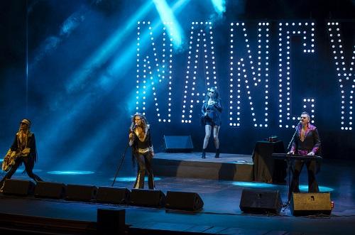 Nancys Rubias brillan en La Noche en Negro y llenan de rock y diversión el Maestro Padilla