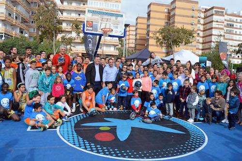 Más de 400 niños viven la pasión del baloncesto en la calle con el torneo 'Plaza 3 x 3 Caixabank'