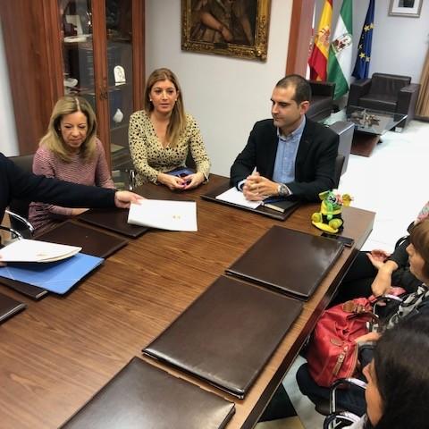 El Ayuntamiento organiza el canicross 'Ciudad de Almería. San Perrestre 2018', que reunirá a corredores y mascotas en el Parque del Andarax