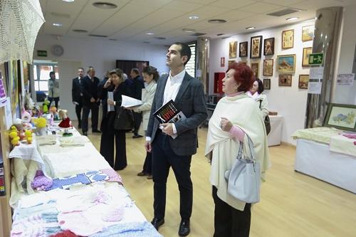 """El alcalde felicita en su décimo aniversario al Centro de Mayores de Oliveros, """"un espacio de vida y foro desde el que participar en el día a día de la ciudad"""""""