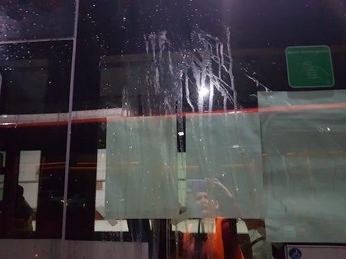 Los autobuses urbanos sufrieron cerca de una veintena de actos vandálicos en la Noche en Negro