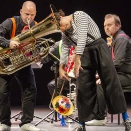 El concierto familiar de la OCAL convierte un lleno Teatro Apolo en una divertida carpa de circo