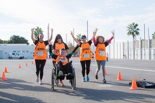 Más de 400 almerienses hacen deporte con Aspapros para celebrar el Día de la Discapacidad