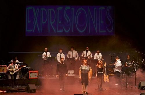 El Auditorio vive una verbena de felicidad en el emotivo homenaje a la Orquesta Expresiones