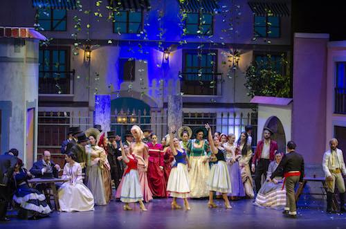 Los enredos de amores de la zarzuela 'Doña Francisquita' conquistan al público del Auditorio