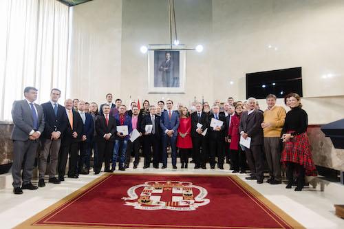 """El alcalde agradece a los treinta funcionarios jubilados en 2018 los """"muchos años de trabajo y de cariño por Almería y por los almerienses"""""""