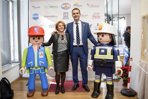 """El alcalde anima a los almerienses a visitar la """"espectacular y entrañable"""" exposición de Playmobil a favor de Niños con Cáncer de Almería"""