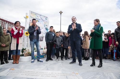 """El alcalde se muestra """"orgulloso"""" de la respuesta de Almería y la """"marea de buena gente"""" reunida en 'La Ballena' en recuerdo de Gabriel Cruz"""