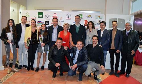 El alcalde comparte con la Peña Milhojas la afición por la UDAlmería en su Cena de Navidad