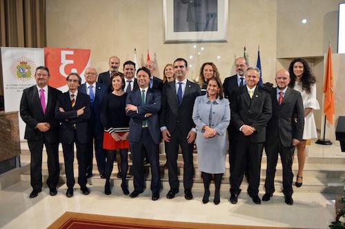 El Salón de Plenos acoge el nacimiento del nuevo Colegio Profesional de Economistas de Almería