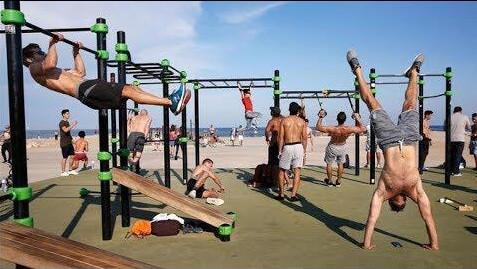 La playa urbana de San Miguel contará con equipos deportivos de Calistenia tras la adjudicación del contrato por un total de 17.558 €