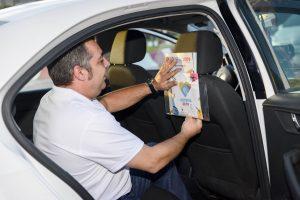 taxis revistas y pegatinas
