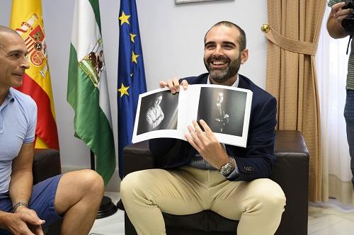 Alcalde y fotógrafo Rodrigo Valero