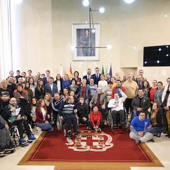 Almería escudo oro Verdiblanca