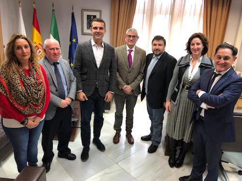 Alcalde Almería colegio profesional