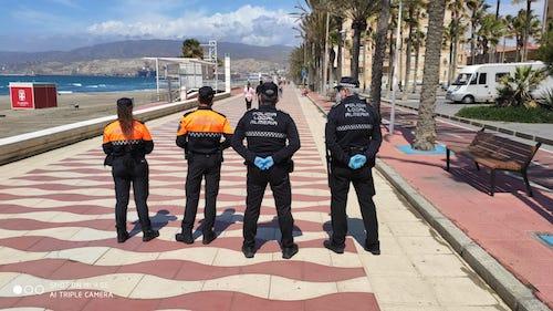 Almería vigilancia salida niños