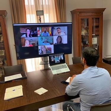 Alcalde Almería reunión sindicatos