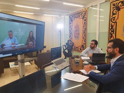 Alcalde Almería reunión playas