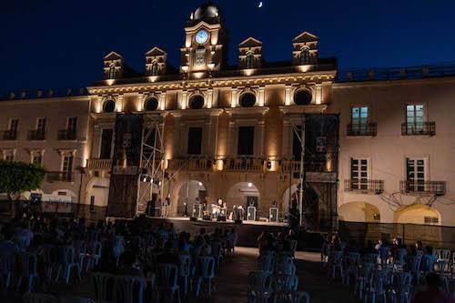 Almería cultura concierto Revolver