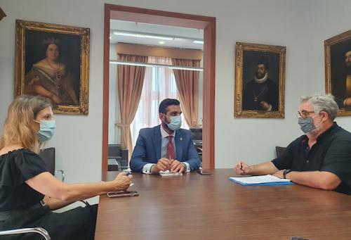Alcalde Almería mesa ferrocarril