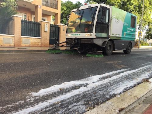 Almería dispositivo limpieza barrios