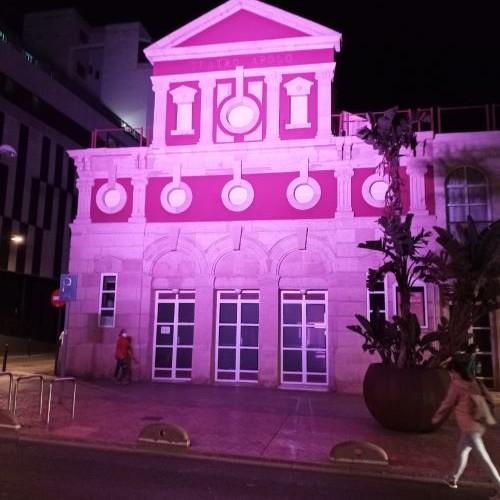 Almería Teatro Apolo iluminado