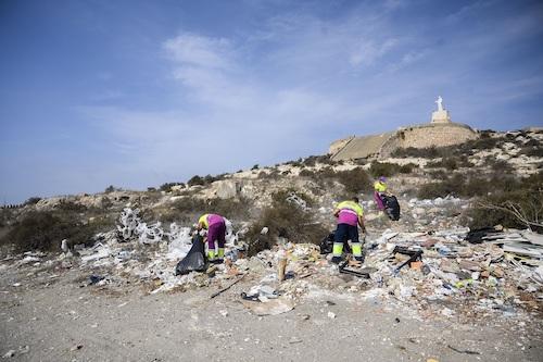 Almería limpieza extraordinaria Cerro