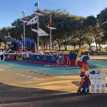 Ayuntamiento Almería parques infantiles