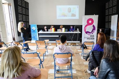 Almería igualdad documental Insignes