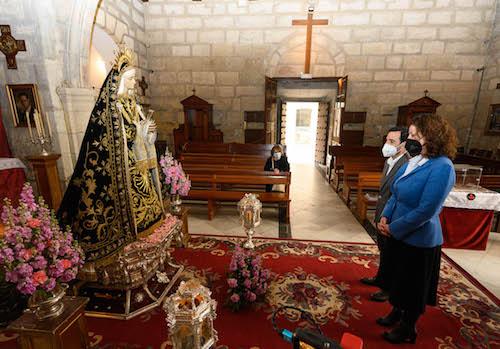 Almería veneración Virgen Soledad