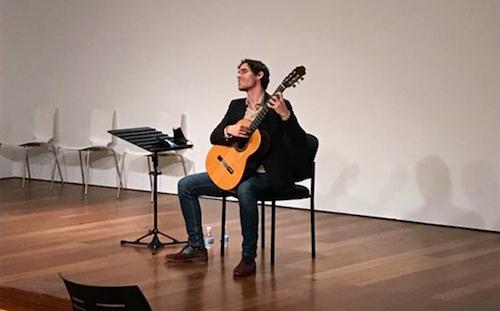 Almería cultura guitarra Aparicio