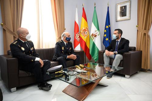 Visita comisario Ayuntamiento Almería